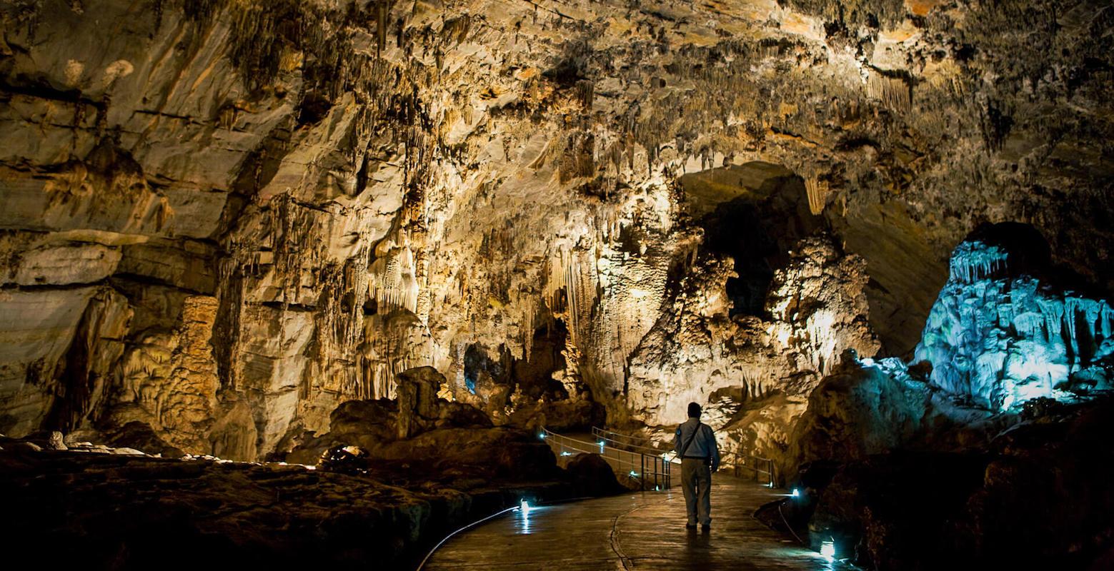 actividades-principales_guerrero_taxco_explora-las-cavernas-de-cacachuamilpa_01